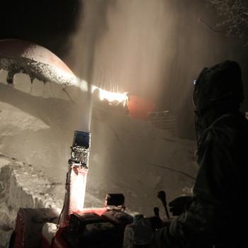 Snöblåsning på kvällen